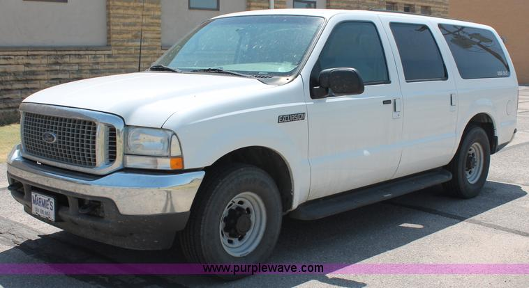 C Image For Item C  Ford Excursion Xlt Suv