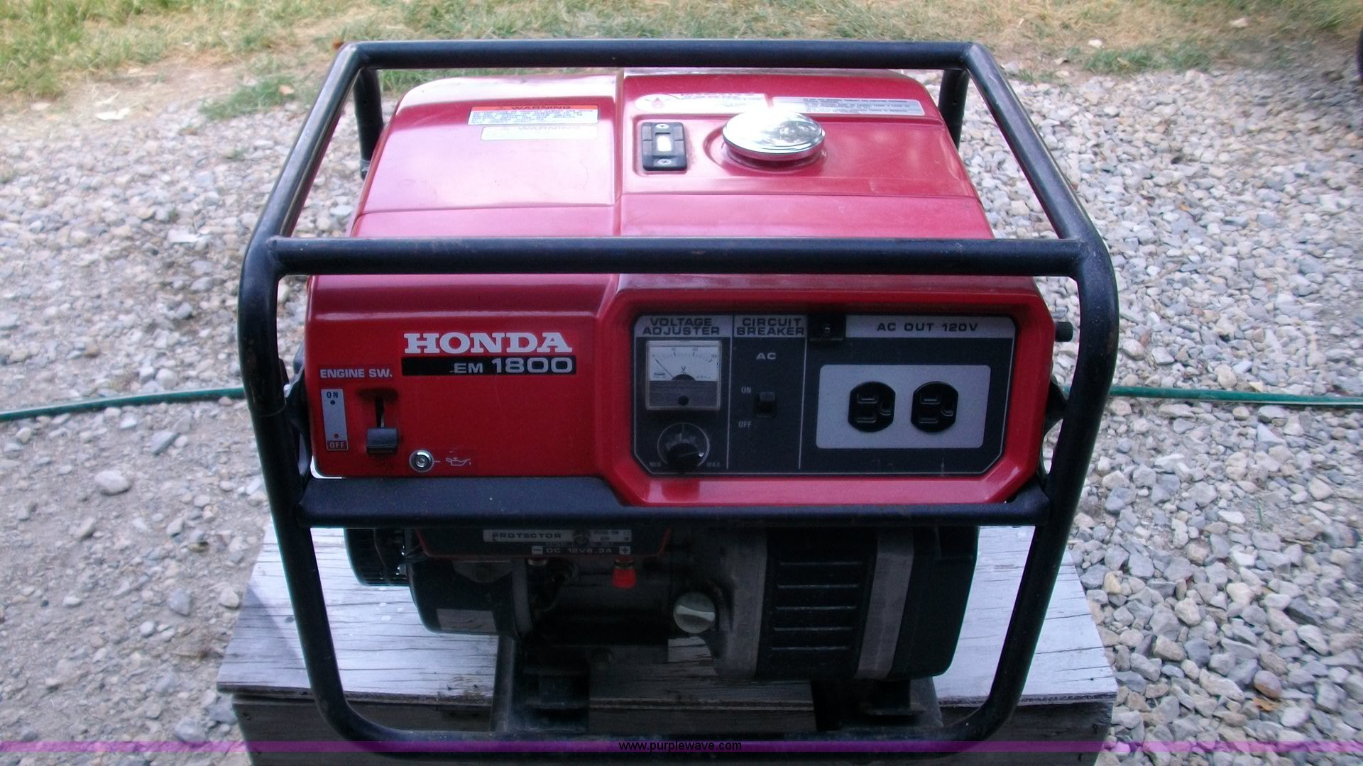 Honda EM1800 portable generator Item B1434