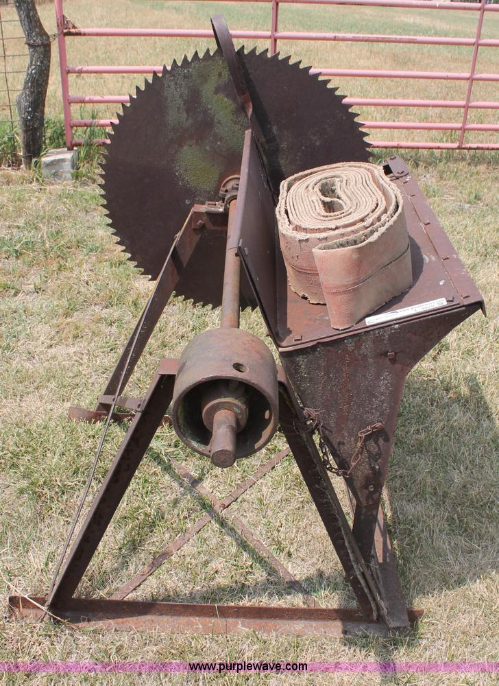 Log Splitter For Sale >> Antique buzz saw with belt | Item L9929 | SOLD! August 14 ...