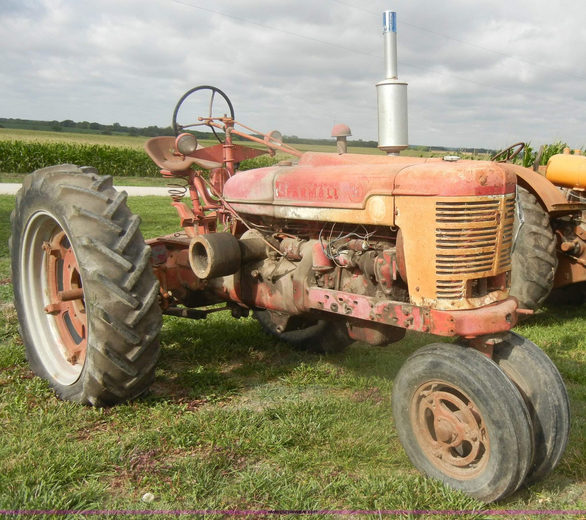 ... 1940 McCormick Farmall H tractor Full size in new window ...