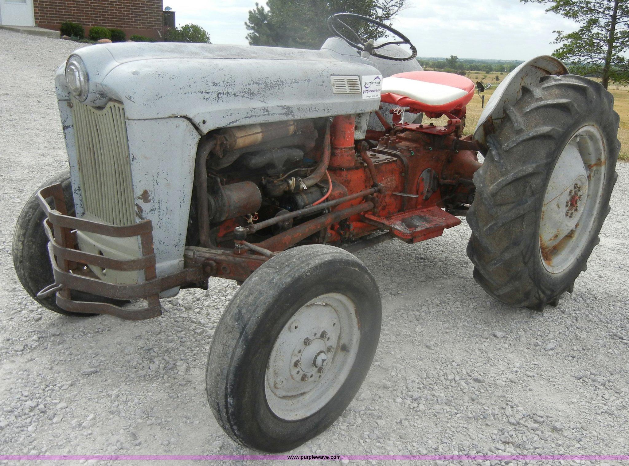 1954 Ford Jubilee Tractor In Ottawa Ks Item D4260 Sold Purple