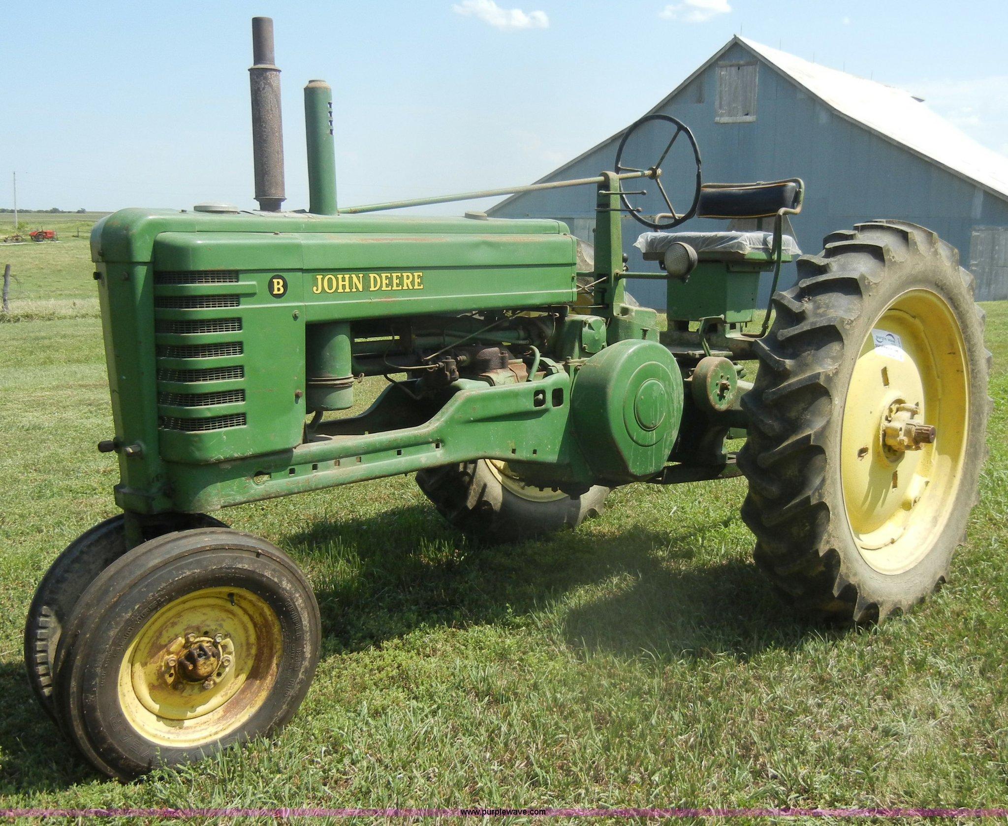 D4363 image for item D4363 1950 John Deere B tractor