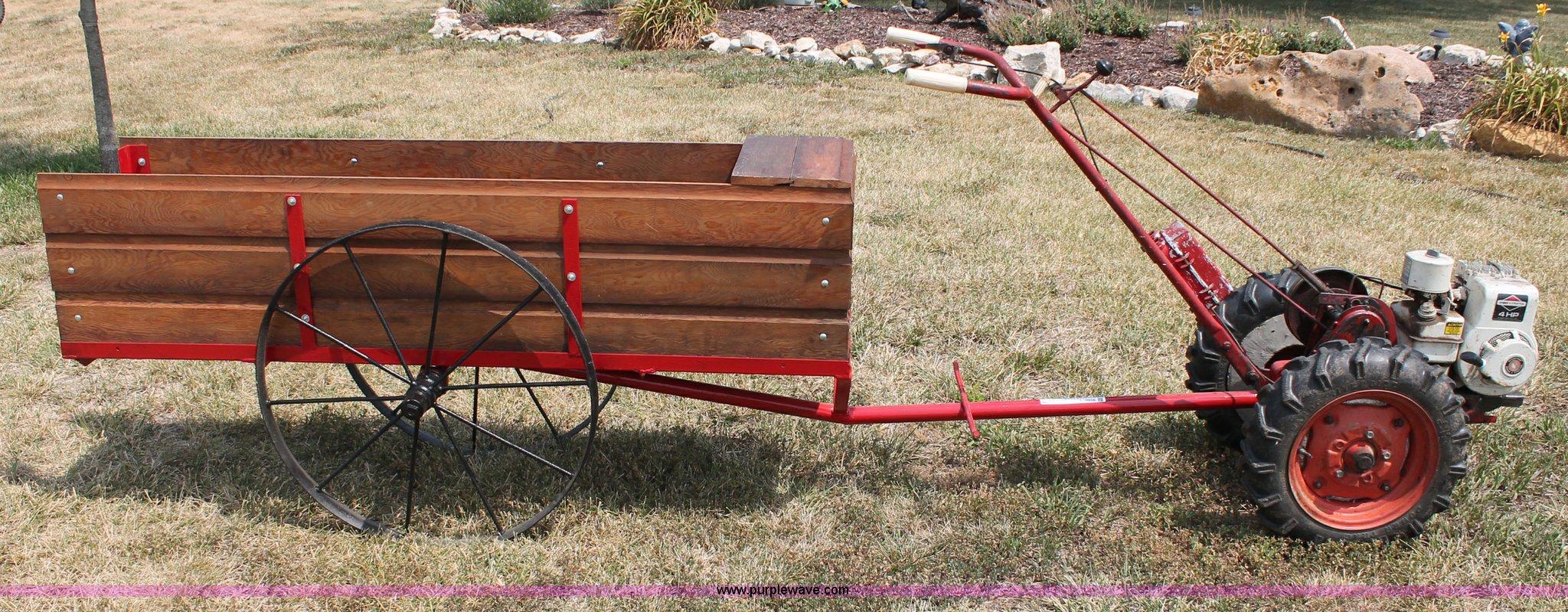 Montgomery Ward 65X-5993 Hoe-Trac garden tractor   Item L992...