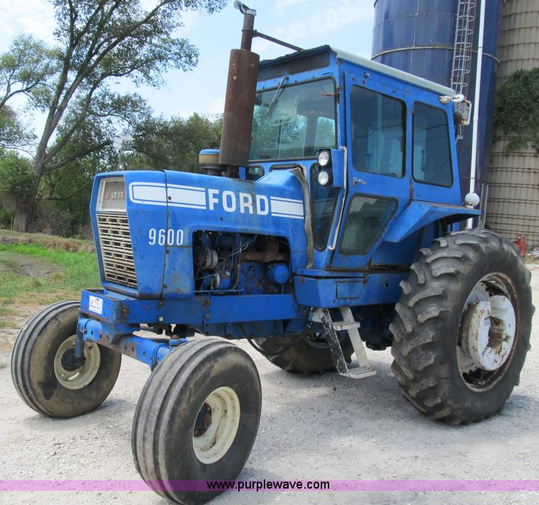 Ford 9600 Tractor : Ford row crop tractor item b sold