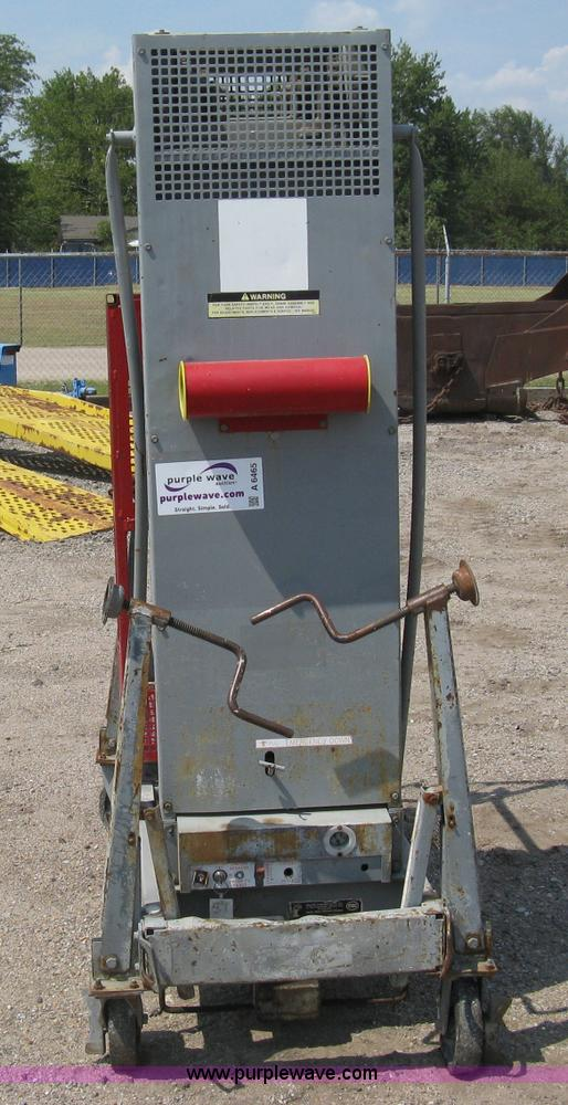 Mec Handy Herman 24D stationary man lift | Item A6465 | SOLD