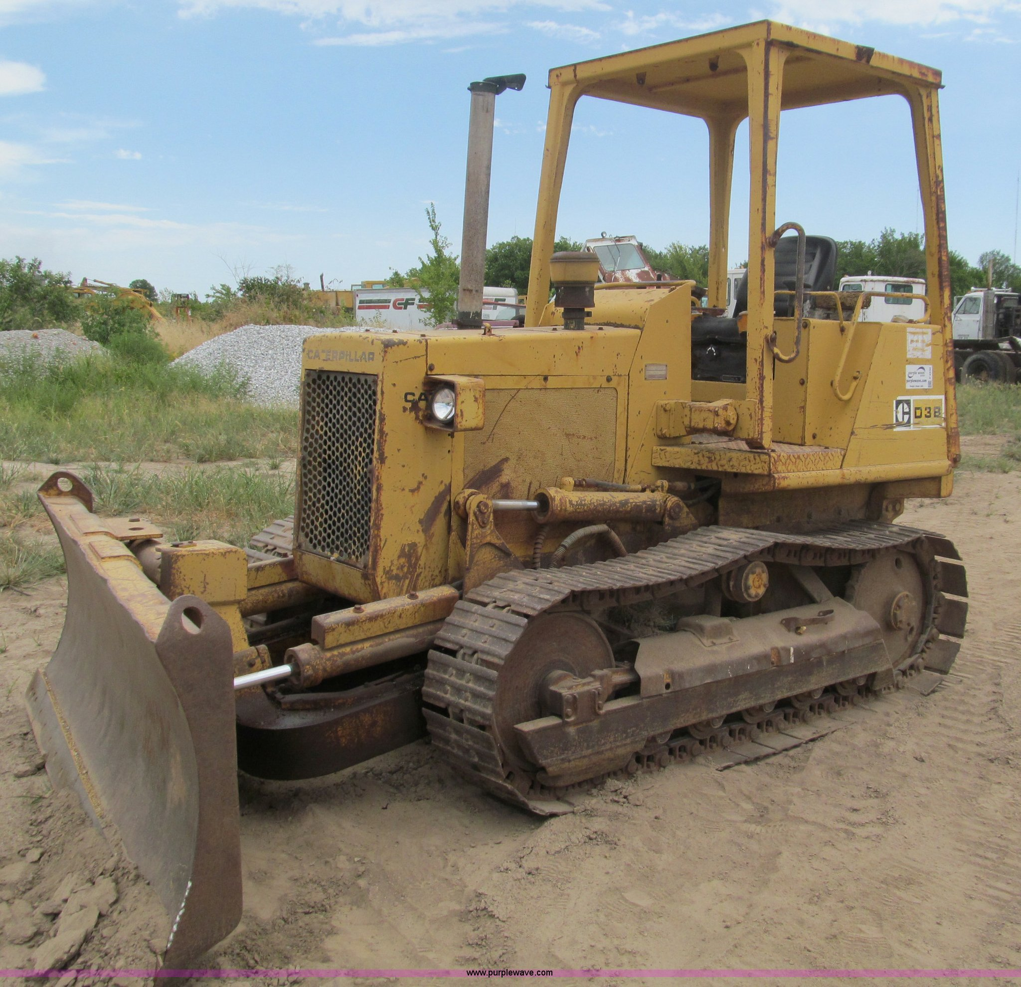 1985 Caterpillar D3B-Z dozer | Item F4536 | SOLD! Thursday A