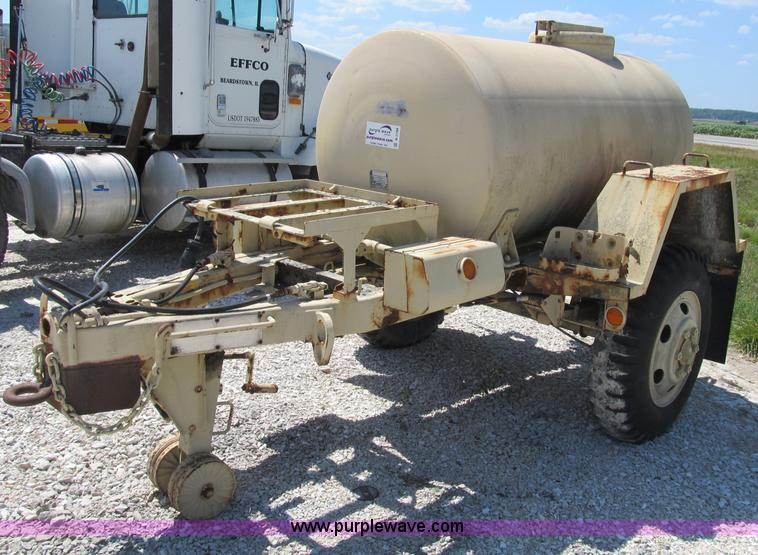 400 gallon portable water tank | Item B2794 | SOLD! Wednesda