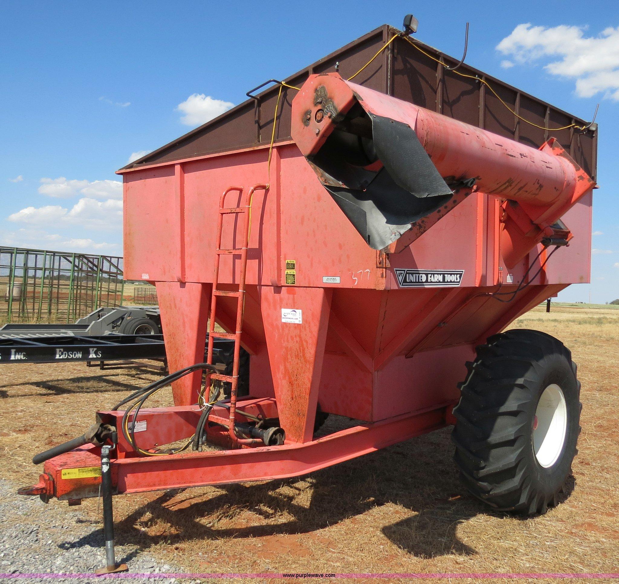 B2467 image for item B2467 United Farm Tools 550 bushel grain cart