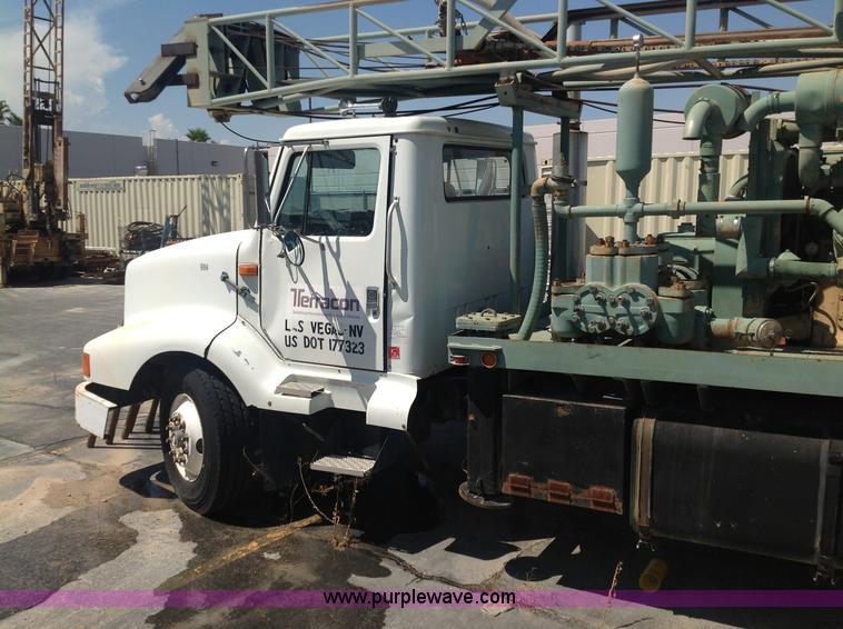 1991 International Navistar 8300 drill rig truck   Item B146