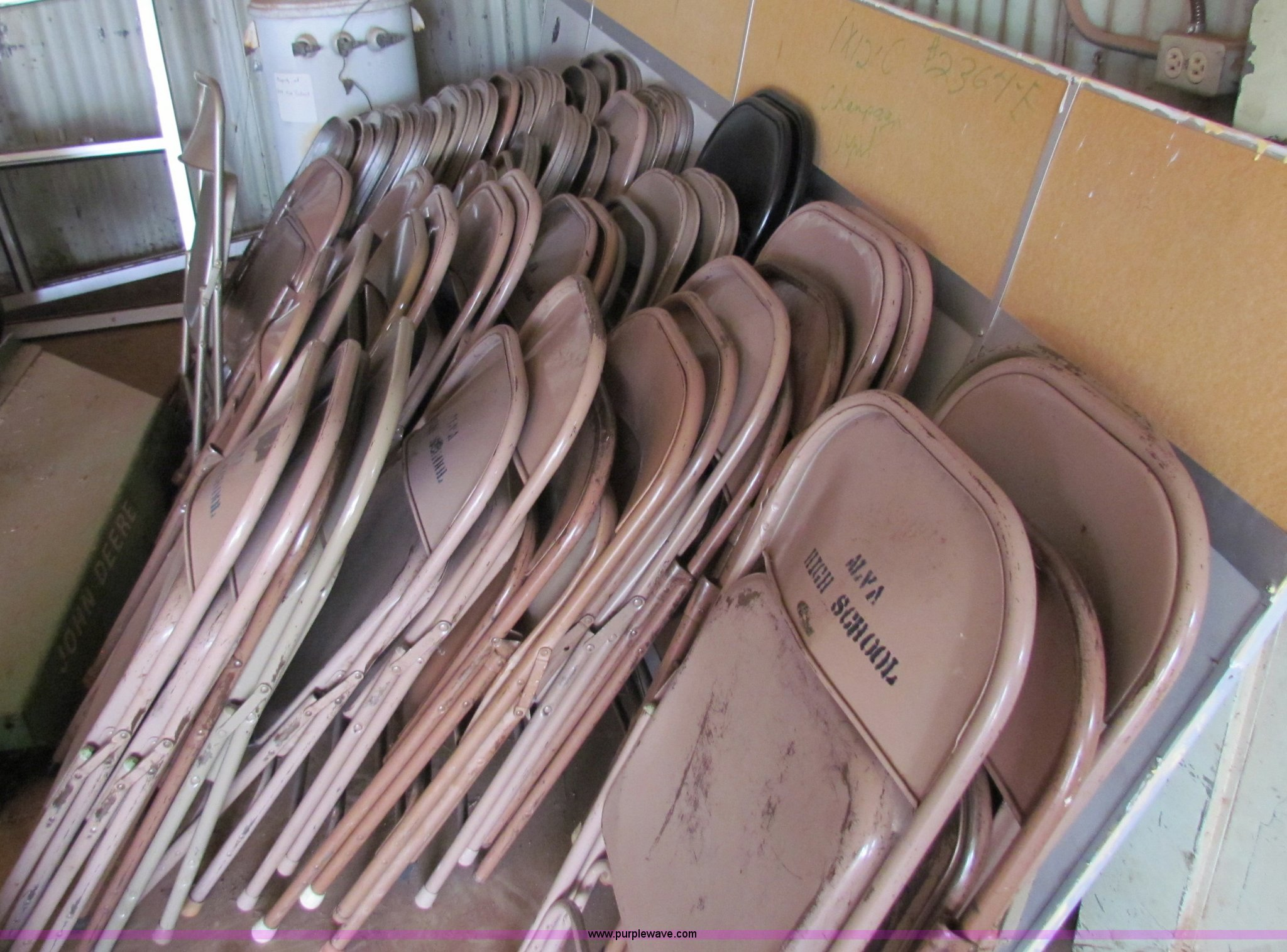 214 assorted metal folding chairs Item N9106