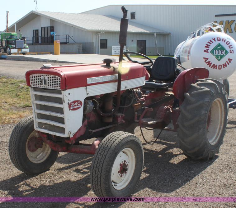 International 240 Tractor : International utility tractor item g sold