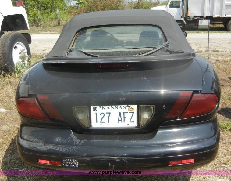 1996 pontiac sunfire se convertible in erie ks item d5634 sold purple wave 1996 pontiac sunfire se convertible in