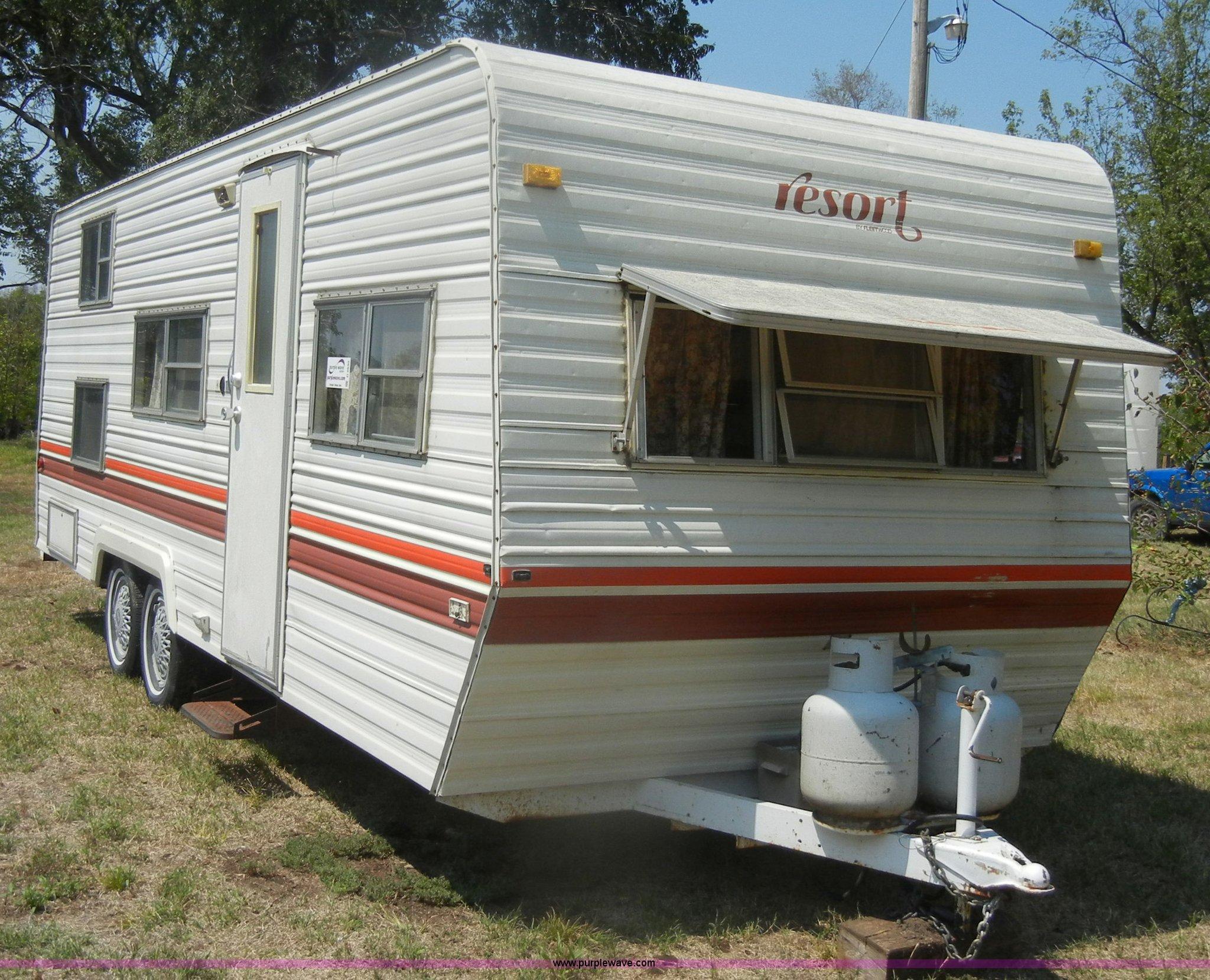 1984 Fleetwood Resort 21' camper | Item D5630 | SOLD! Septem