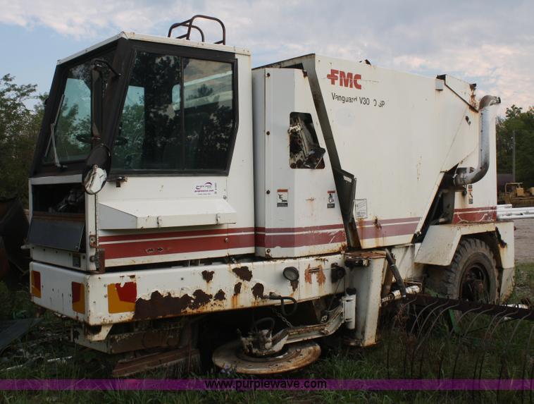 1993 fmc vanguard v3000sp street sweeper item b6883 sold rh purplewave com Tymco 500X Sweeper Tyco Sweeper