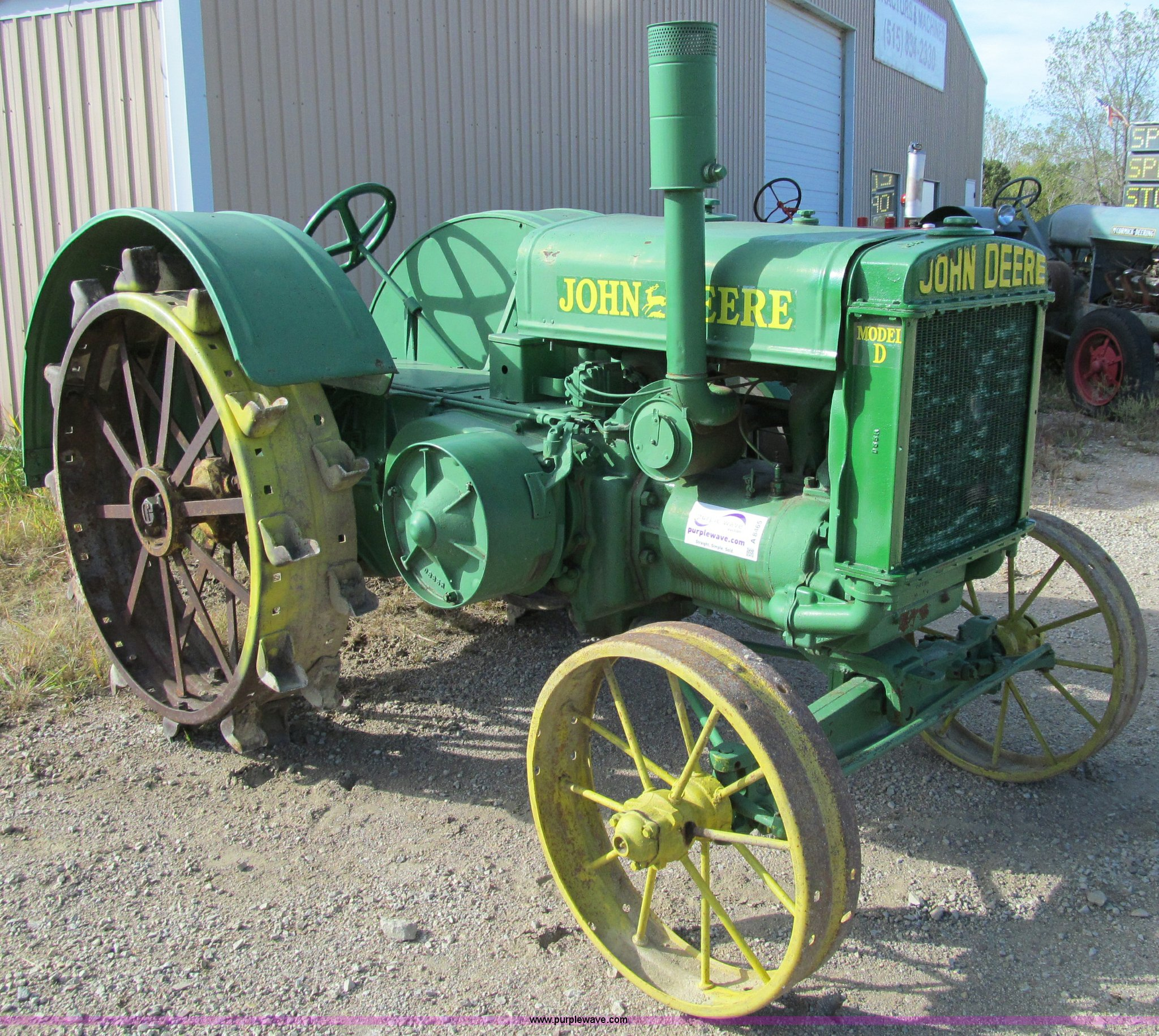 A8465 image for item A8465 1929 John Deere D tractor