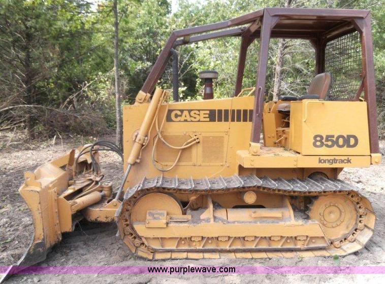 1991 Case 850D longtrack dozer | Item B1495 | SOLD! Thursday