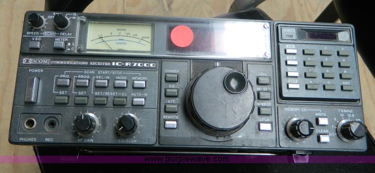 1986 ICOM Communications R7000 HF/VHF/UHF receiver radio   I