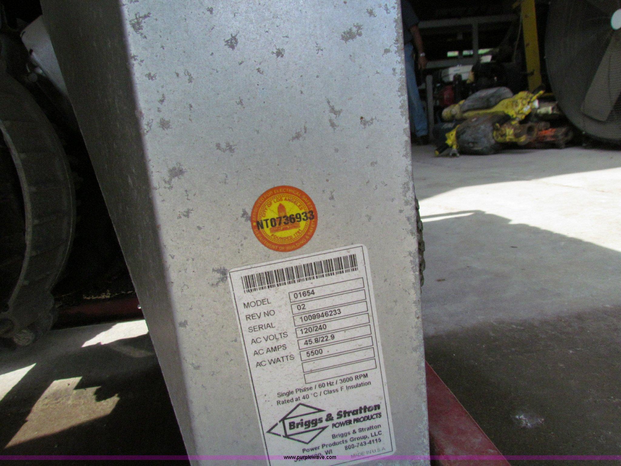 2004 Briggs & Stratton Elite series 01654 generator   Item N