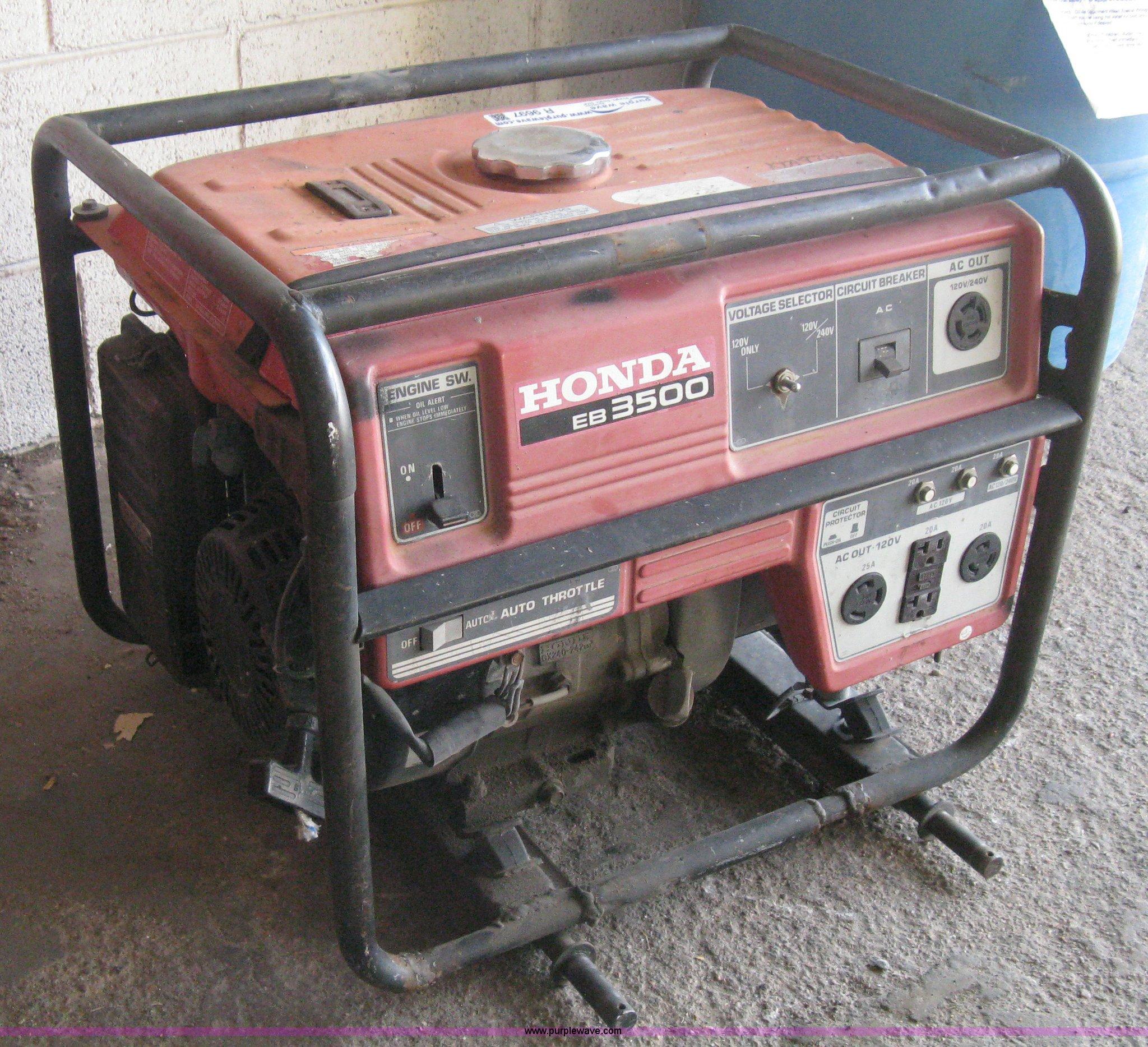 Honda EB3500 gas powered generator Item R9697