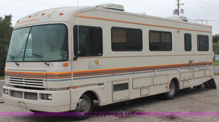 1991 Fleetwood Bounder 31 Rv Camper Item C2824 Sold