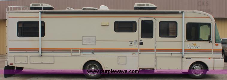 1991 Fleetwood Bounder 31' RV camper | Item C2824 | SOLD! We