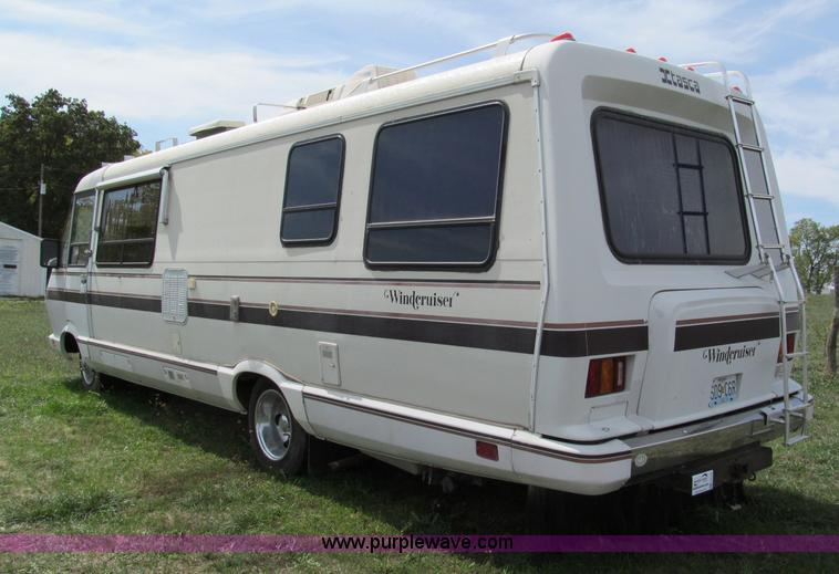 1985 Chevrolet P30 Wind Cruiser motorhome RV | Item E2192 |