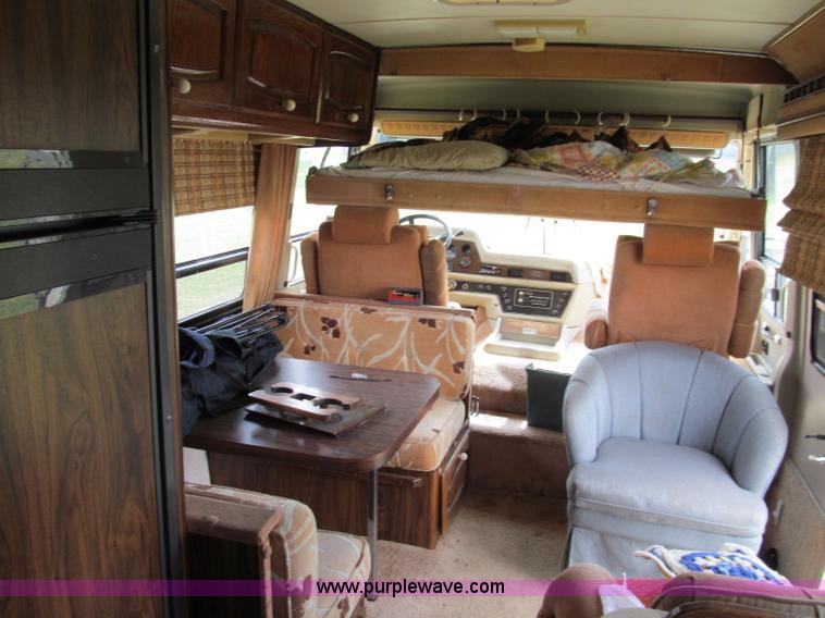 1985 Chevrolet P30 Wind Cruiser motorhome RV | Item E2192 |