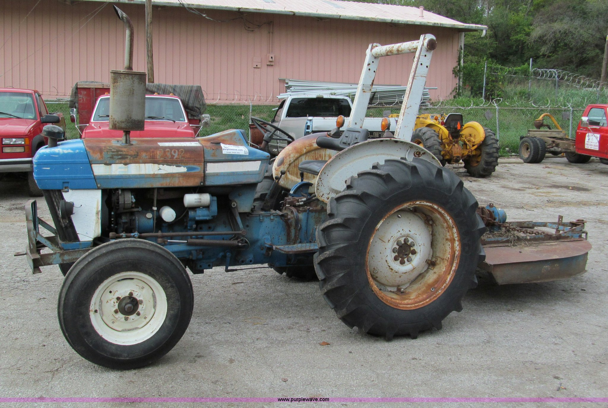 E5512 image for item E5512 1981 Ford 3610 tractor