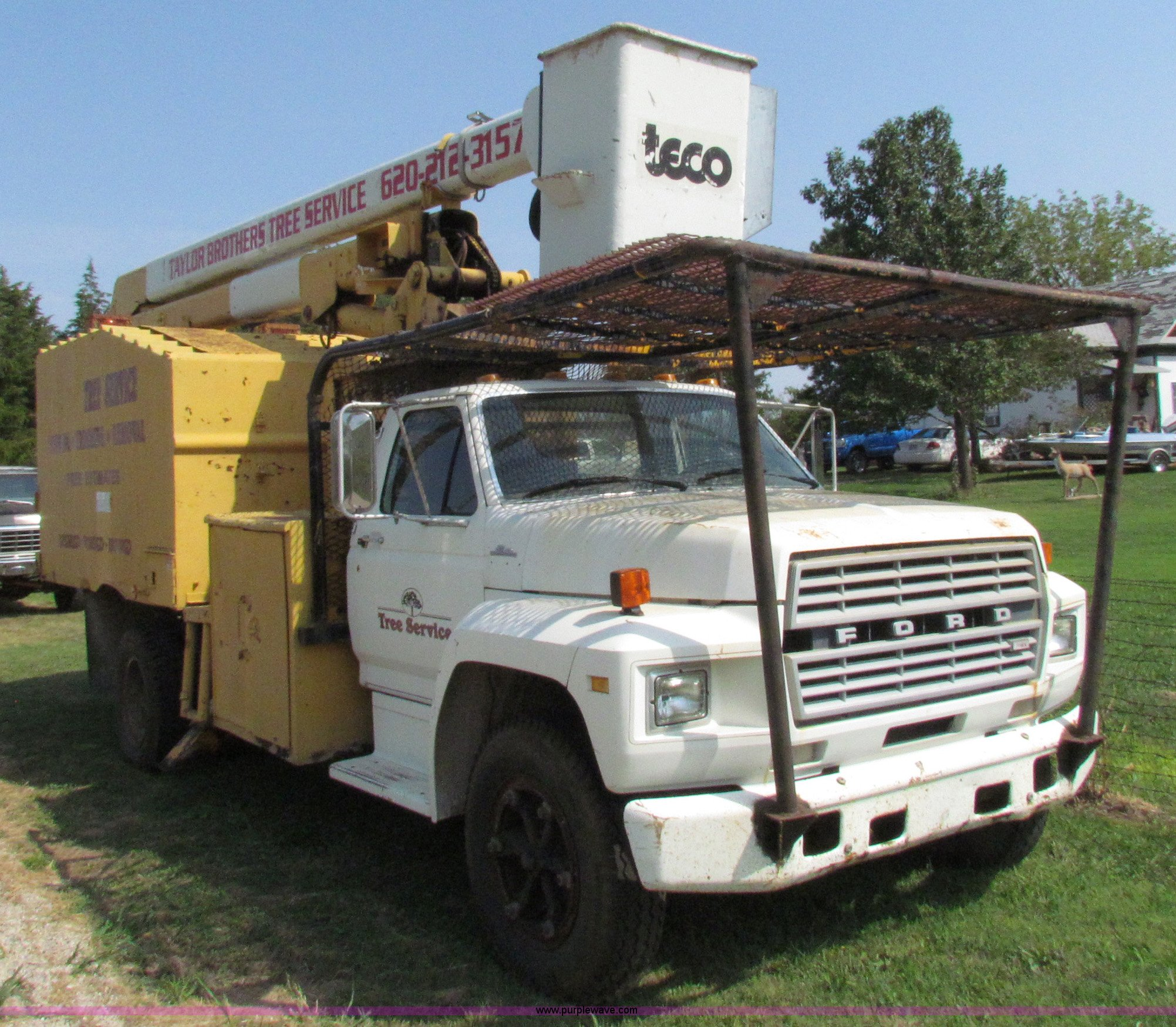 1984 Ford F700 bucket truck | Item E8047 | SOLD! Wednesday O