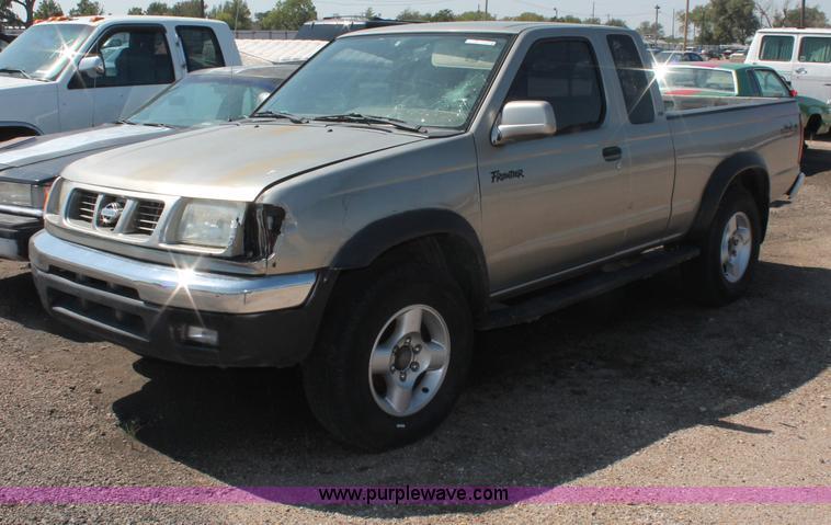 O9334 Image For Item 2000 Nissan Frontier SE Desert Runner King Cab Pickup Truck