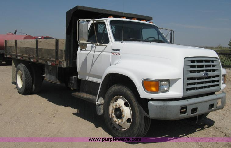 1999 Ford F800 Flatbed Truck Item B8168 Sold Thursday