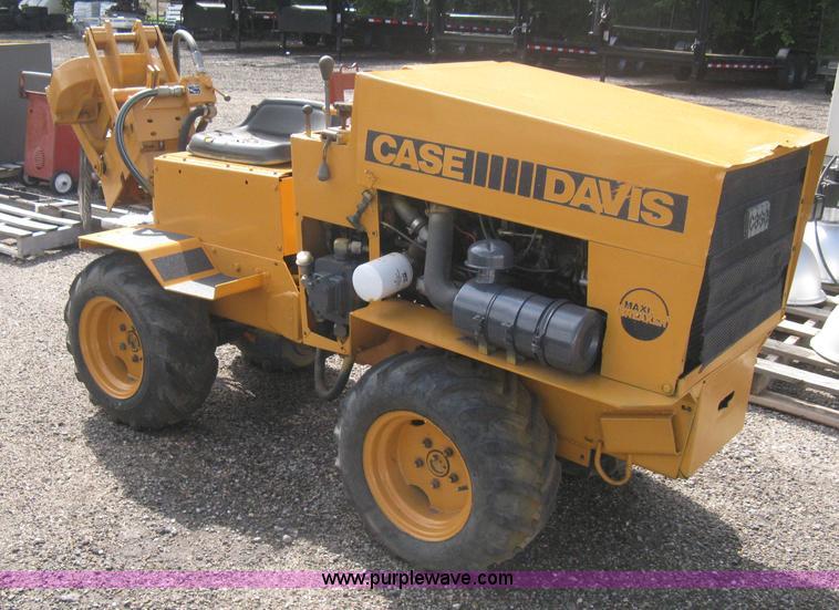 Case Davis Maxi-Sneaker vibratory plow | Item B8176 | SOLD!