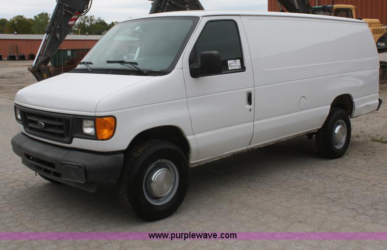 2004 ford econoline e350 extended cargo van item f2634. Black Bedroom Furniture Sets. Home Design Ideas