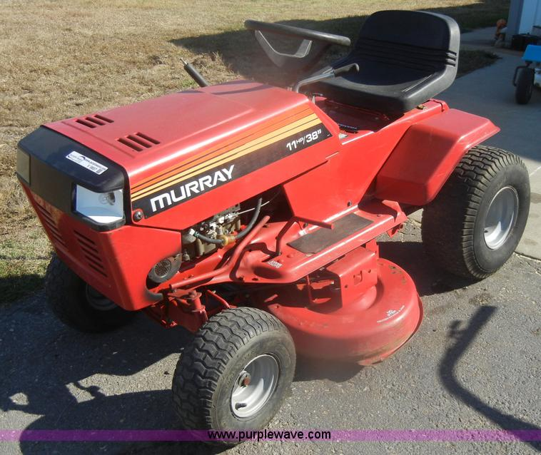 Murray lawn mower | Item V9857 | SOLD! October 31 Midwest Au