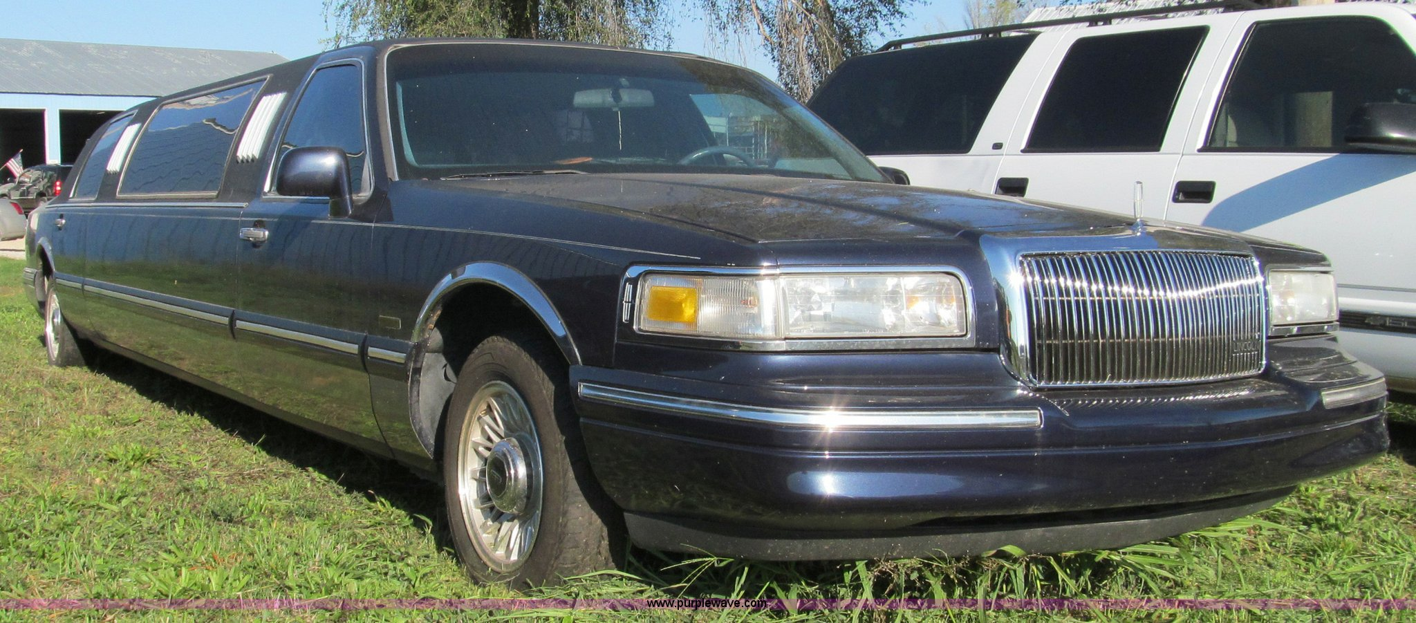 1997 Lincoln Town Car Executive Stretch Limousine Item F45
