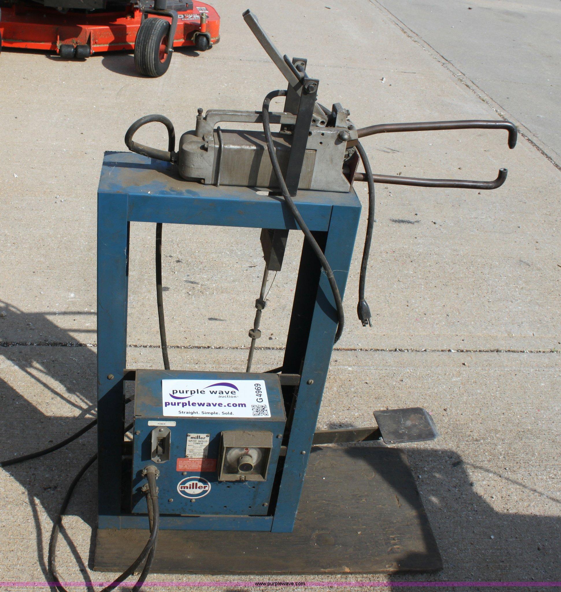 Miller MSW-41T spot weld timer | Item G4969 | SOLD! Tuesday