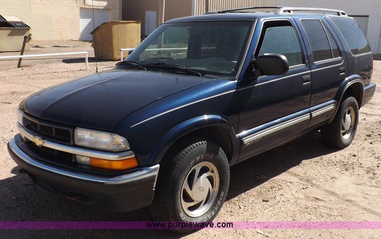 2000 Chevrolet Blazer Lt Suv Item F6210 Sold Wednesday
