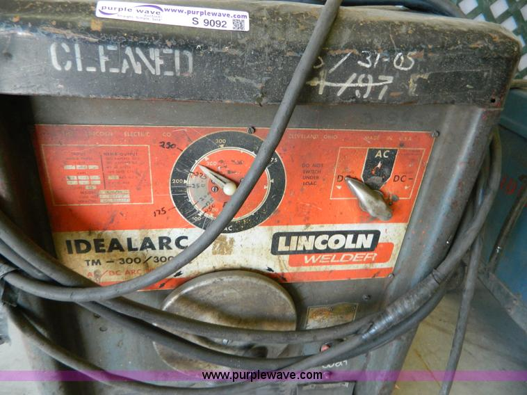 Lincoln 300 amp stick welder | Item S9092 | SOLD! Wednesday