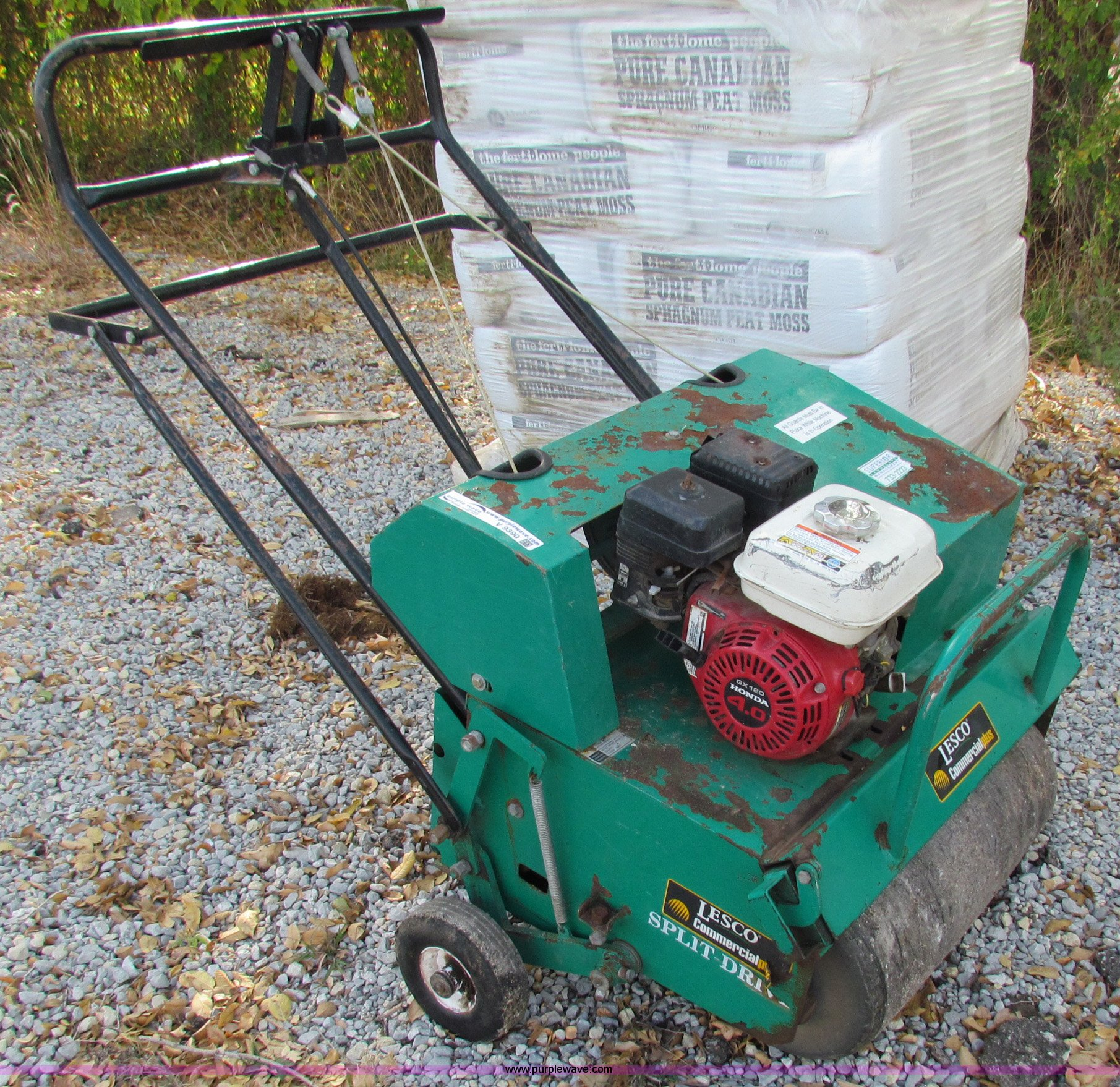lesco commercial plus aerator item v9390 sold wednesday rh purplewave com Commercial Walk Behind Mowers Commercial Walk Behind Mowers