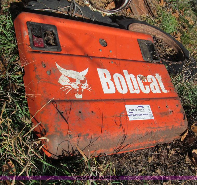2005 Bobcat T300 engine compartment door | Item E5714 | SOLD