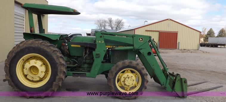 F6233C 1983 john deere 2550 mfwd tractor item f6233 sold! wedne