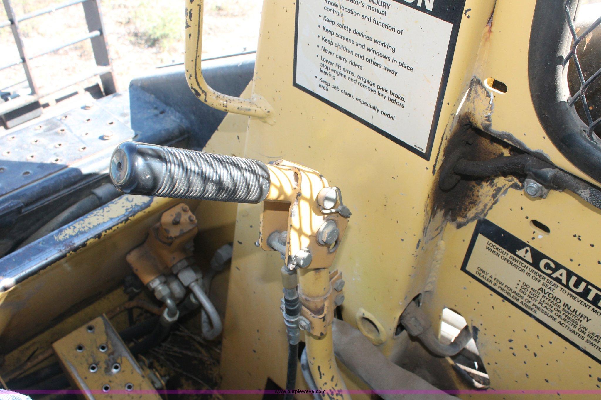 1988 New Holland L553 skid steer | Item F6137 | SOLD! Wednes