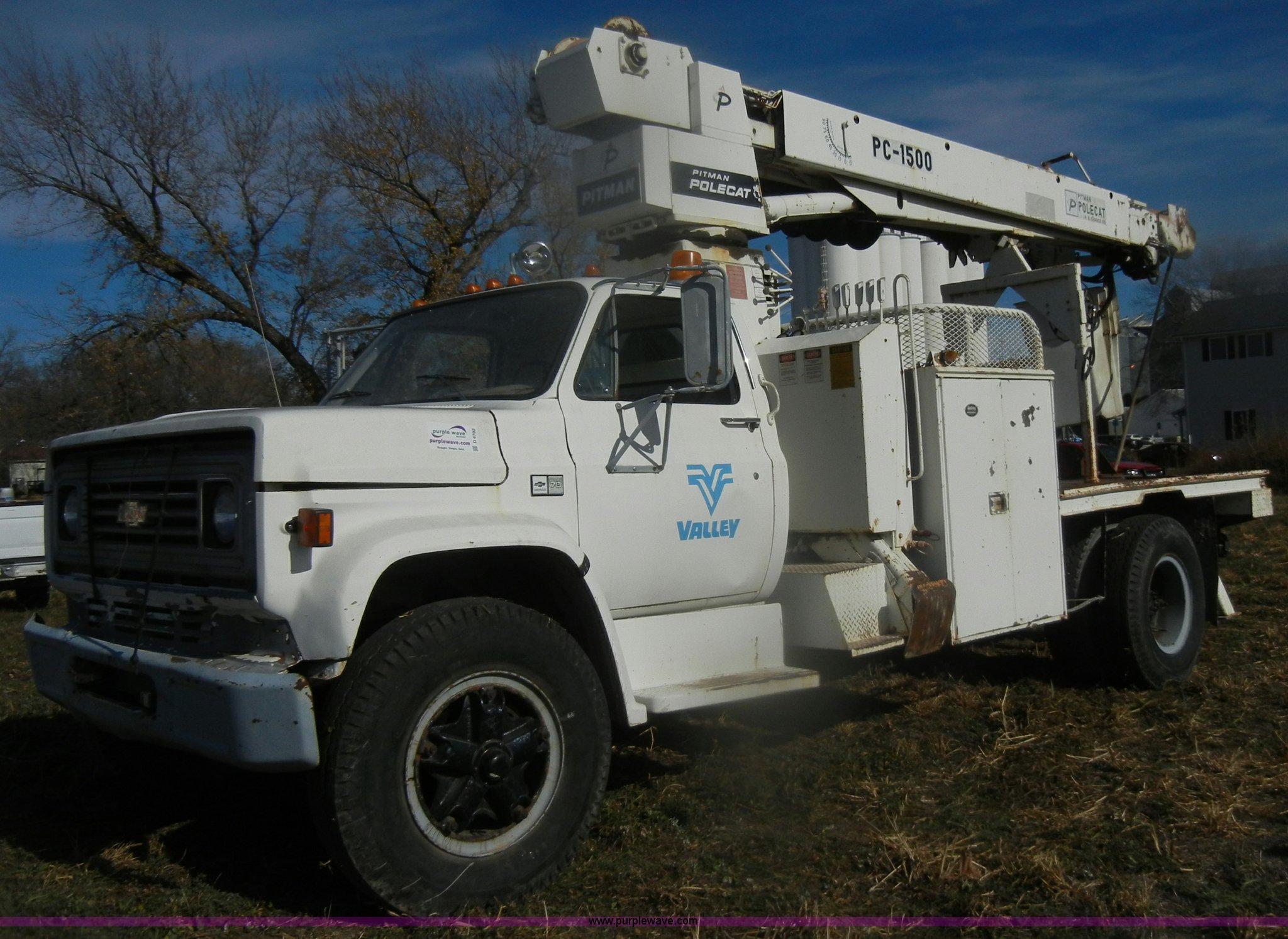 1983 chevrolet kodiak c70 pitman polecat flatbed truck ite rh purplewave com Pitman Bucket Trucks Pitman Bucket Trucks