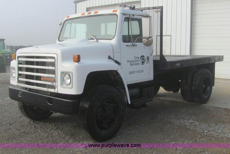 C2962 Image For Item 1989 International 1754 Flatbed Truck