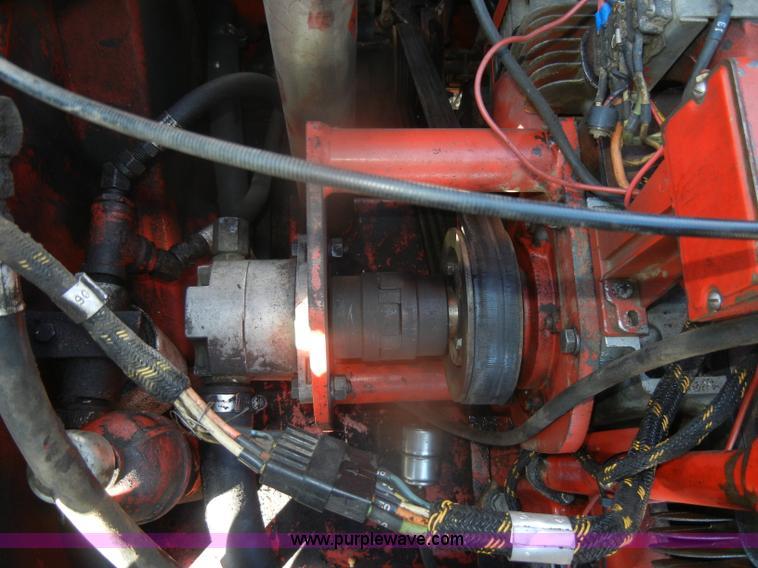 Gehl 2500 Hydro Cat skid steer   Item AB9917   SOLD! Thursda