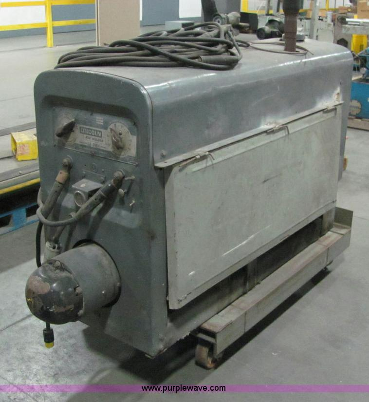 Lincoln SA-200 DC arc welder | Item E2715 | SOLD! Thursday D