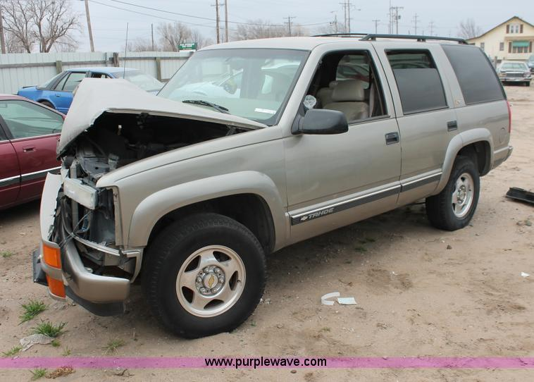 2000 Chevrolet Tahoe Z71 SUV  Item O9387  SOLD January 15