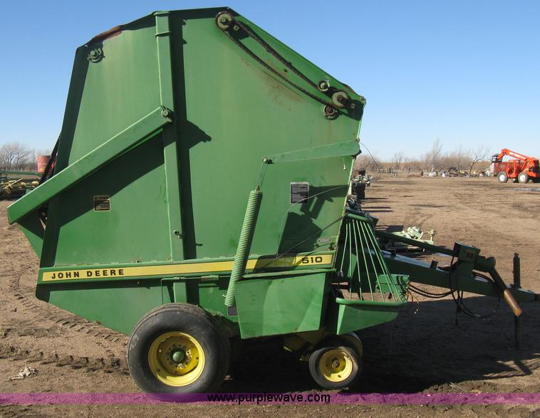 John Deere 510 round baler | Item B8427 | SOLD! Wednesday Ja