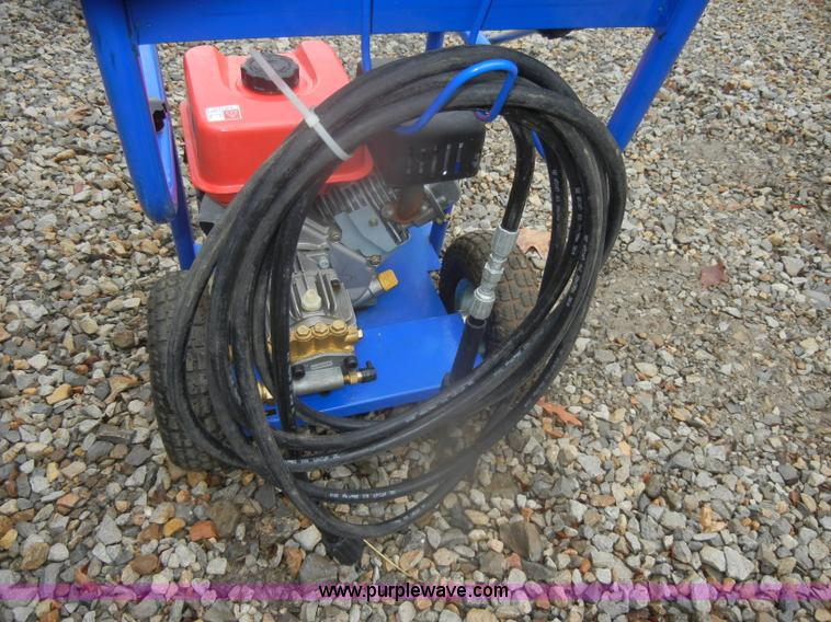 pressure washer item ab9813 sold wednesday february 6 m rh purplewave com Quantum Pressure Washer Harbor Freight Pressure Washer Hose