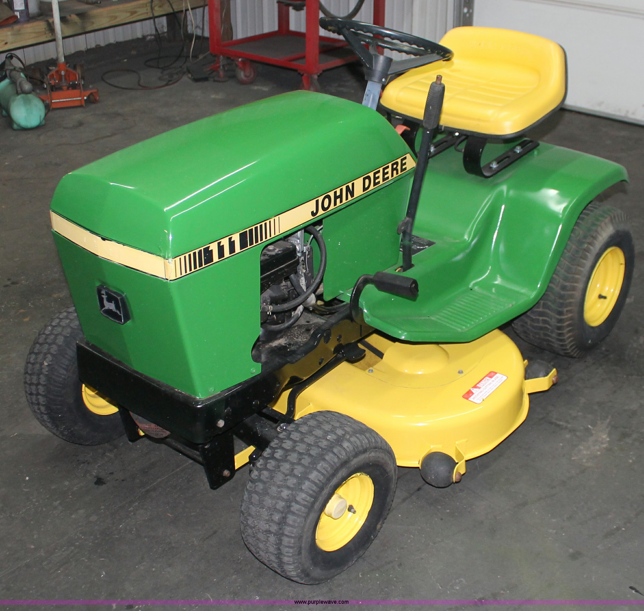 john deere 111 lawn mower item v9245 sold wednesday feb rh purplewave com john deere 111 riding lawn mower manual john deere 111 lawn mower parts